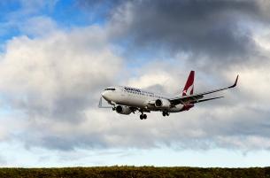Plane landing at Wellington airport