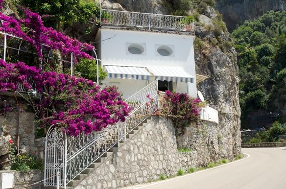 Villa Greta from street